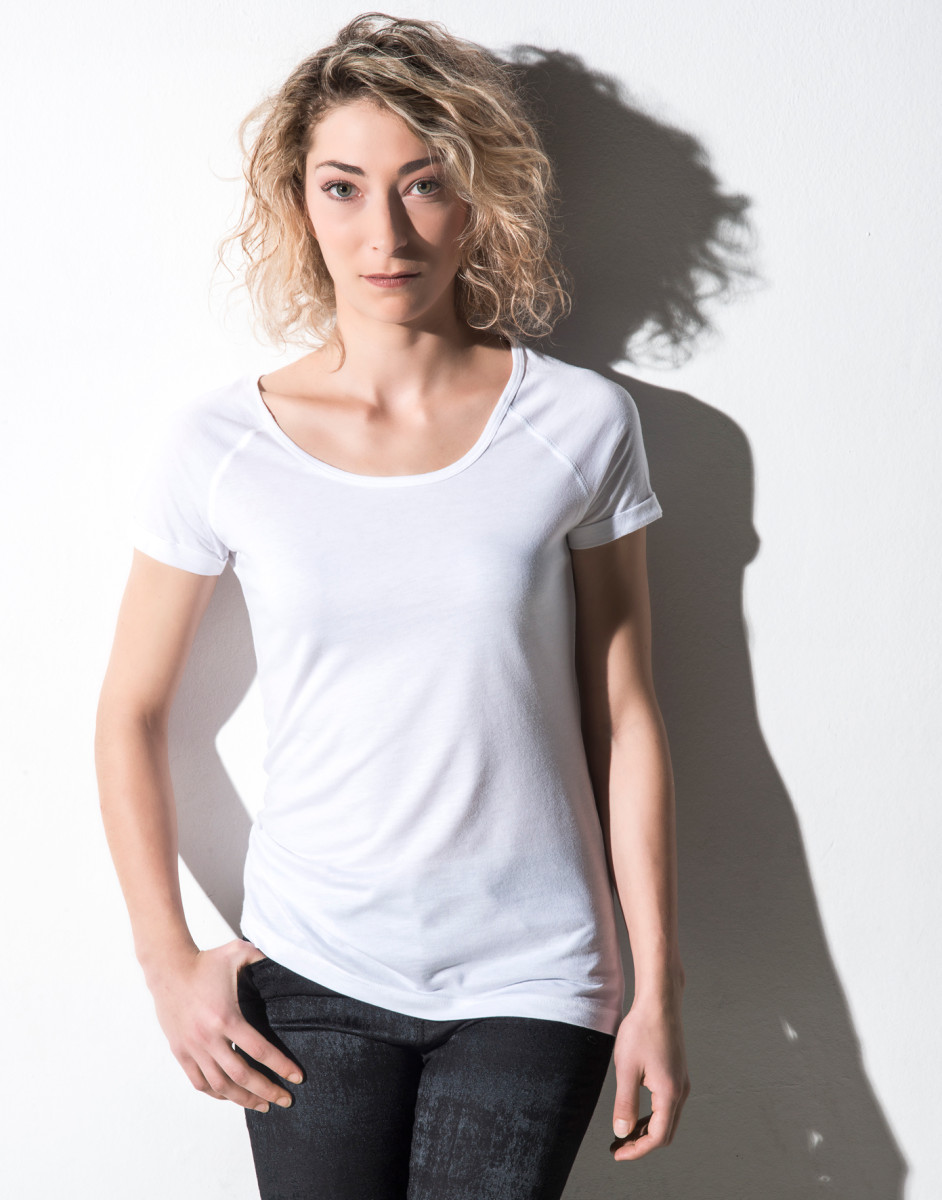 Nakedshirt Women's 'Emily' Viscose-Cotton Rolled Up Raglan T-Shirt